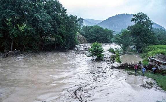 تلف شدن بیش از ۴۰۰ راس دام و آبگرفتگی ۱۰ واحد مسکونی در روستایی کوهپر کجور