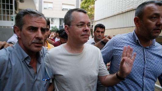 توافق پنهانی آمریکا و ترکیه برای آزادی کشیش آمریکایی