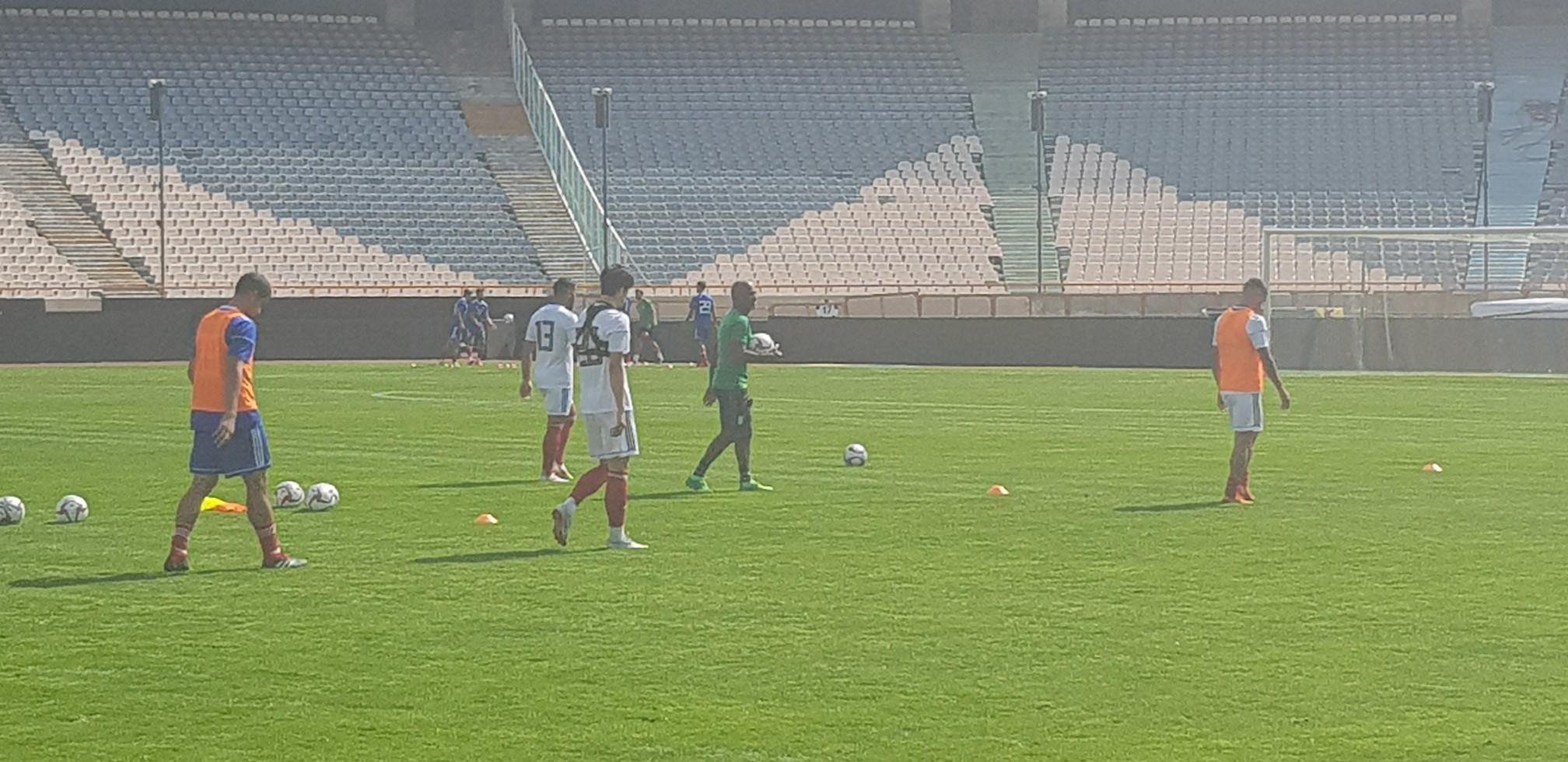 بازیکنان تیم ملی فوتبال ایران پا به توپ شدند