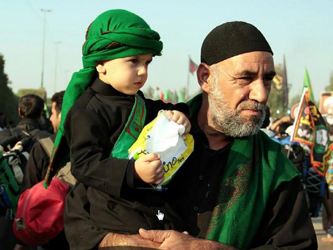 کوچکترین زائر امام حسین(ع) در پیاده روی اربعین+ فیلم
