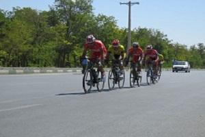 مسابقه دوچرخه سواری در اراک به مناسبت هفته کودک