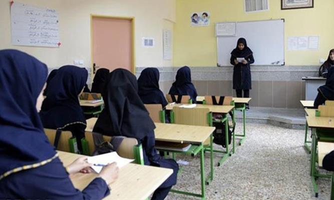 پایه دوازدهم دلیلی بر کمبود معلم در مدارس استان خراسان رضوی