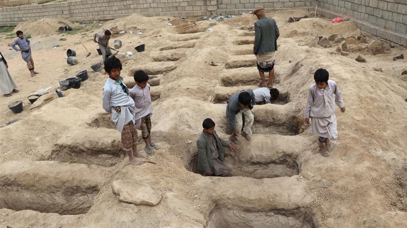بازماندگان دانش آموزان یمنی به مدرسه بازگشتند/ سازمان ملل خواستار توقف حملات سعودی به غیرنظامیان شد