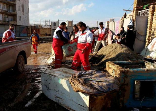 امدادرسانی هلال احمر به ۳۶۹ نفر طی سه روز اخیر/ نجات ۲۷۰ تن از مرگ