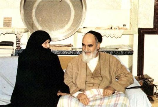 نگاهی به زندگی عاشقانه امام خمینی (ره) و همسرش/امام خمینی (ره)، رهبری مقتدر و همسری عاشق