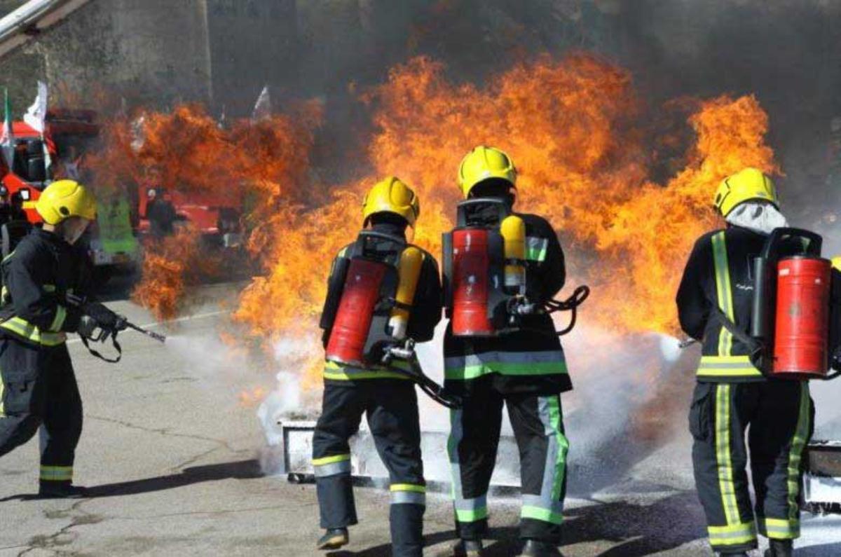 آموزش آتش نشانی به کودکان به مناسبت هفته کودک