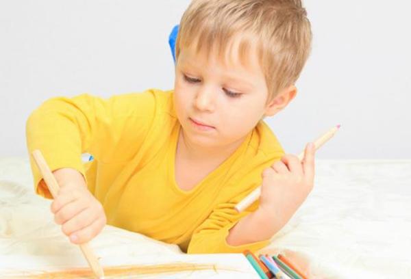 آیا چپ دست بودن کودک نشان دهنده باهوشی کودک است؟