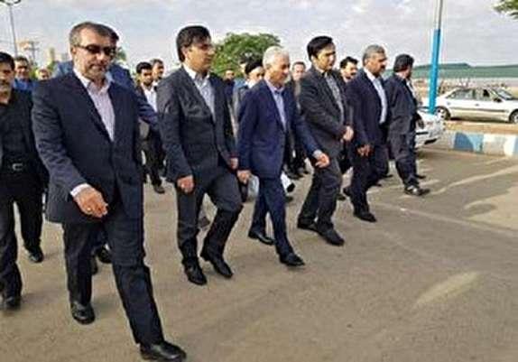 باشگاه خبرنگاران - وزیر علوم وارد گرمسار شد