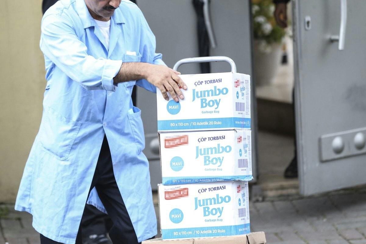 ماموریت نظافتچیها برای پاکسازی کنسولگری عربستان در استانبول از سرنخهای قتل خاشقجی+ عکس