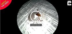 خارج کردن کنه زنده از گوش بیمار! + فیلم