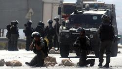 لحظه تیر خوردن خبرنگار زن توسط نظامیان اسرائیلی +فیلم
