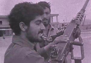 ویدئویی دیده نشده از حضور سردار سلیمانی در جبهه+فیلم