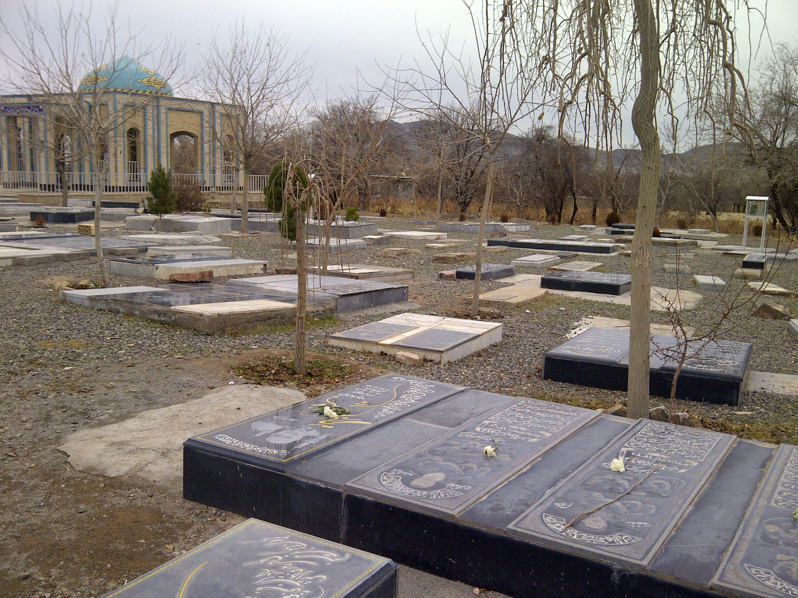 اهمیت حق الناس نسبت به خیرات کردن برا مردگان/ موات چه زمانی صدای مارا میشنوند؟