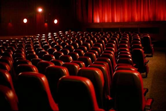 فیلمهای سینمایی روی پرده چقدر فروختند؟ /فروش ۷ میلیاردی «مغزهای کوچک زنگ زده»