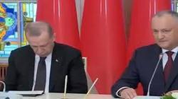 اردوغان بار دیگر در برنامه زنده تلویزیونی چرت زد!+ عکس و فیلم