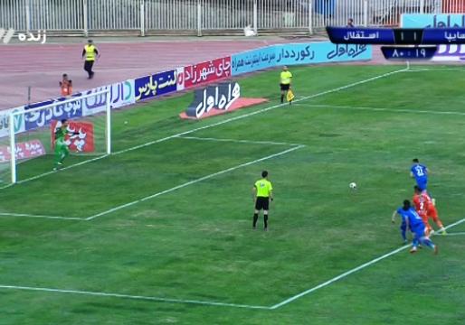 گل دوم استقلال به سایپا با ضربه پنالتی