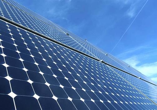 نیرویی که خورشید با مهربانی به زمین هدیه میدهد/ عضو فرهنگستان علوم جمهوری اسلامی ایران: ارتباط با جامعه بین الملل موجب بهبود تکنولوژی نیروگاههای خورشیدی میشود