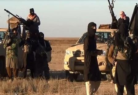 برخی گروههای تروریستی تسلیحات سنگین خود را از غرب حلب خارج کردند