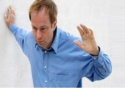 دلایل و راههای خلاصی از سرگیجههای هنگام بلند شدن