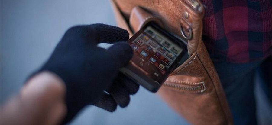 جدیدترین و عجیب ترین روش دزدی تلفن همراه +فیلم