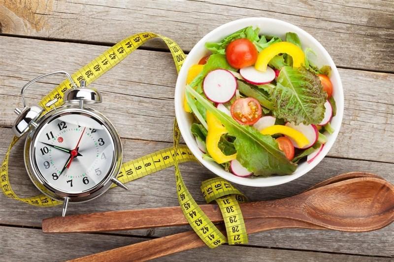 آیا دیر غذا خوردن موجب افزایش وزن میشود؟