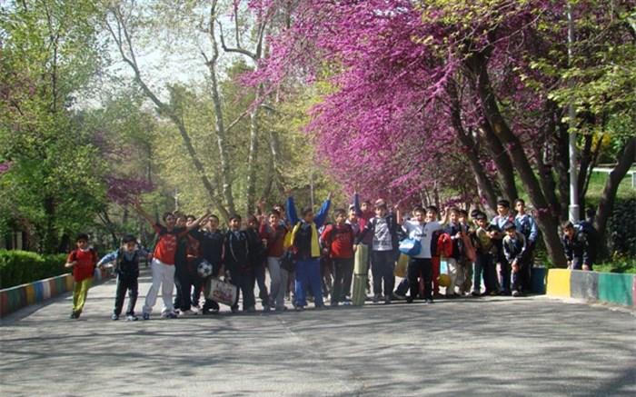 اتوبوسهای اردوهای دانشآموزی تغییر میکنند/همکاری وزارت صنایع با آموزش و پرورش برای ارتقا امنیت اردوهای دانش آموزی