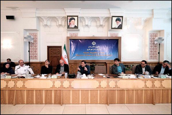 عوامل تصادف اتوبوس و تانکر سوخت در سنندج و آزادراه کاشان- نطنز مشخص شد