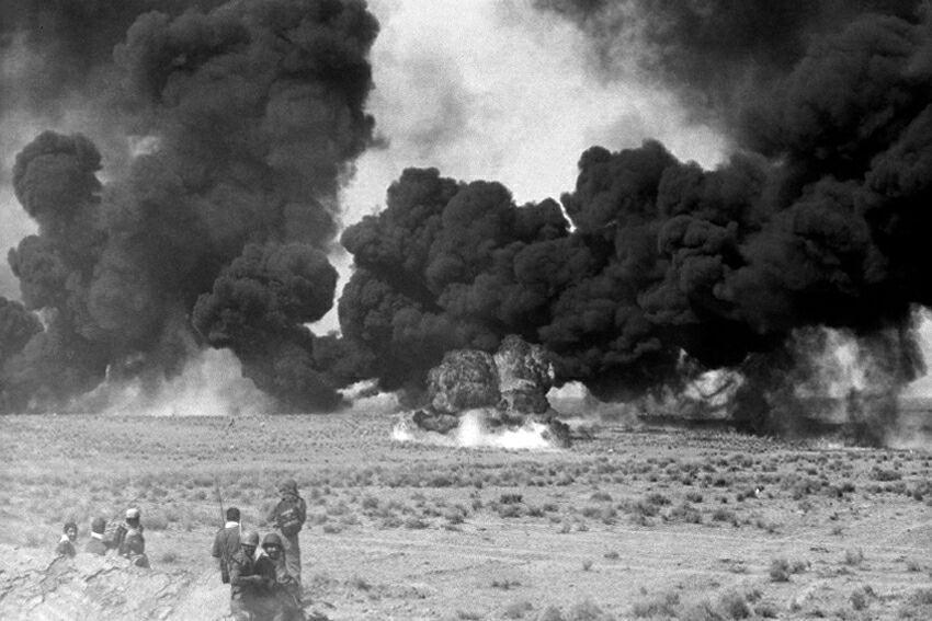 عکاسان جوان باید با فضاهای جنگ آشنا شوند/ عکاسی از آخرین وصیت و نمازهای رزمندگان در جبهه