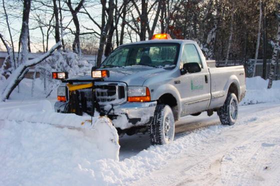 مراحل ساخت برف روبهای کوچک برای خودروهای معمولی + فیلم