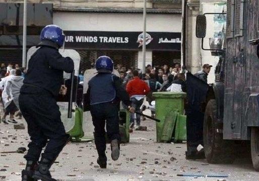 باشگاه خبرنگاران -۸۰ زخمی در درگیری هواداران دو تیم فوتبال در الجزایر