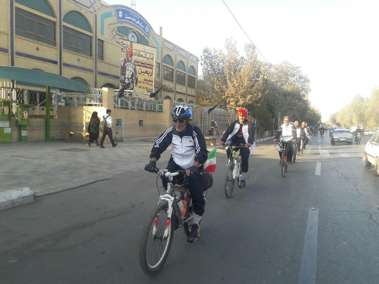 باشگاه خبرنگاران -دوچرخه سواران حسینی عازم کربلا شدند