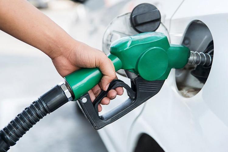 خودروهای بیش از ۲۰۰۰ سی سی سوخت شامل سهمیه بندی بنزین میشوند؟