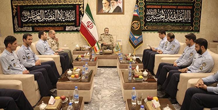 نشست هم اندیشی فرمانده کل ارتش با تعدادی از درجهداران برگزار شد