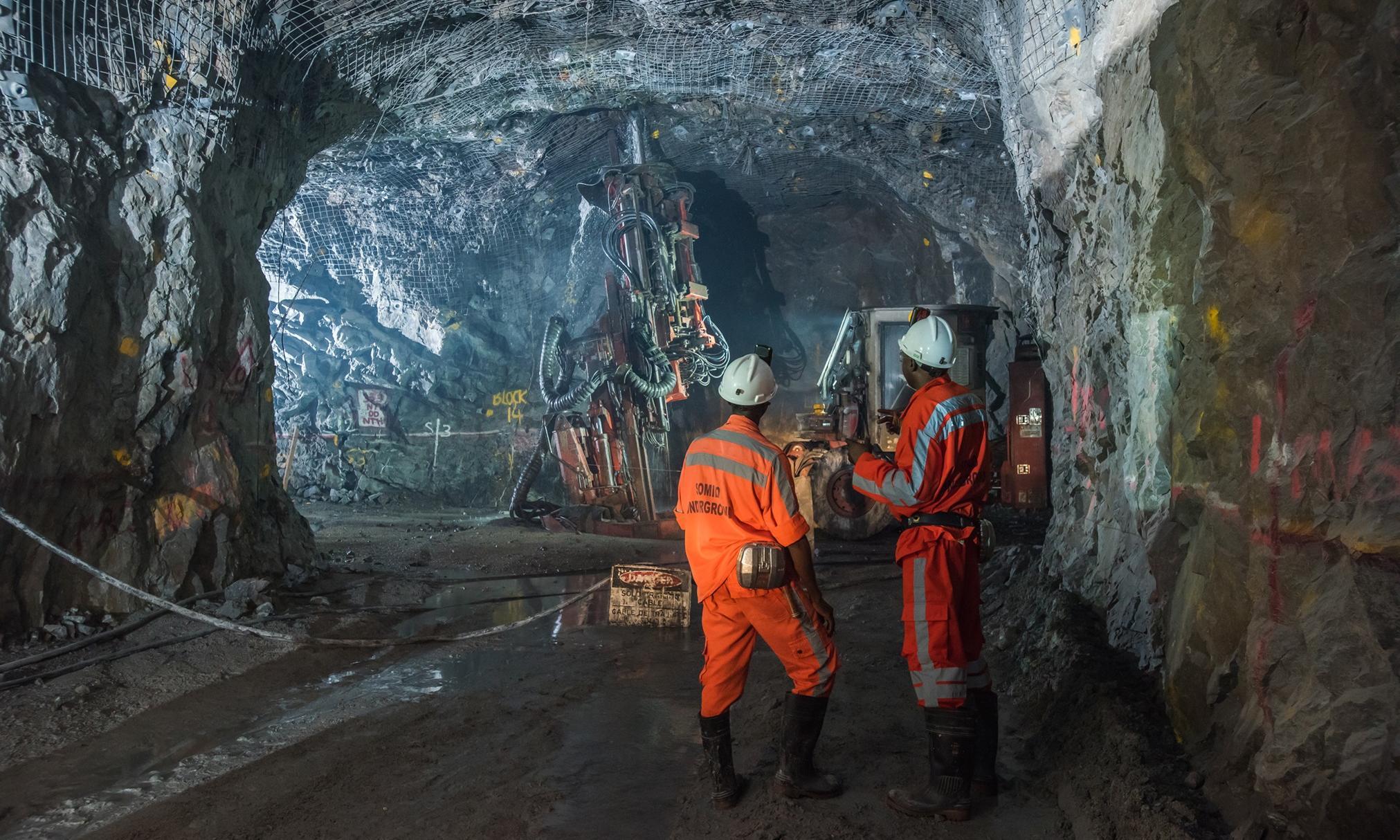 صنایع معدنی پادزهر تحریم ها/سهم بخش معدن در تولید ناخالص باید افزایش یابد
