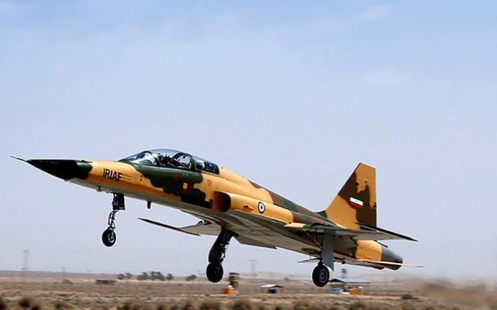 دیلی اکسپرس: ایران با ساخت نسل جدیدی از جنگندههای بومی غرب را در شوک فرو برده است