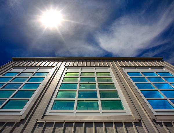 شیشه های نانویی سپری محکم دربرابر اشعه های خورشید