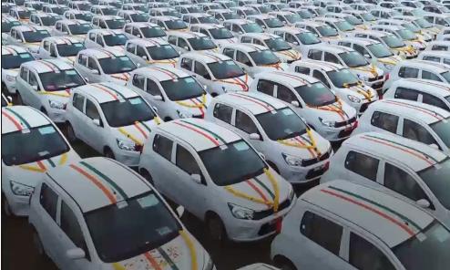 ماجرای اهدای صدها خودرو و آپارتمان از طرف مدیری به کارمندانش+تصاویر