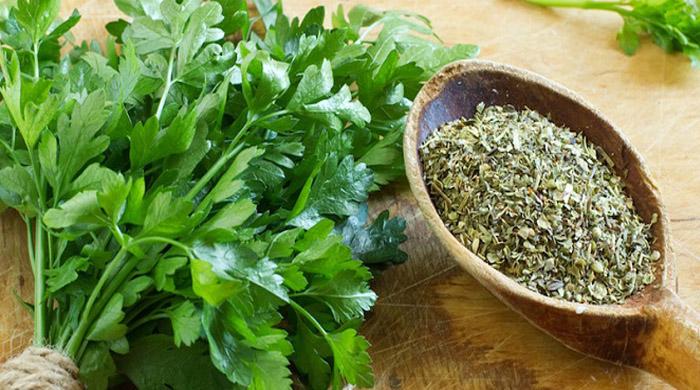 سبزی خشک در بازار چند است؟