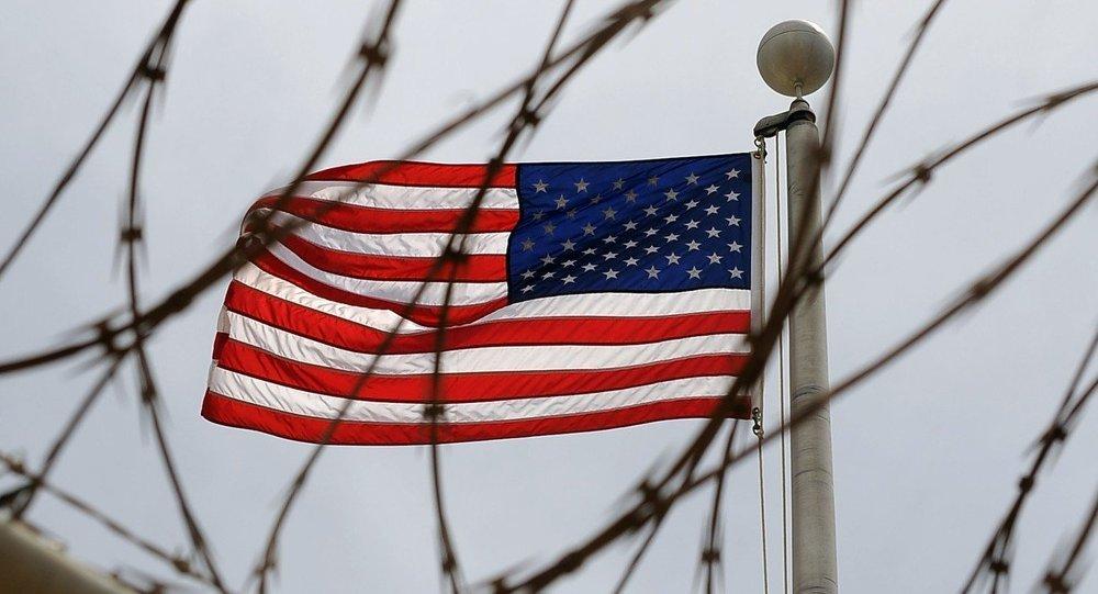 بیداد حقوق بشر در زندانهای آمریکا + تصاویر