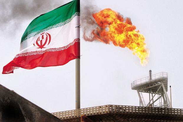 رویترز: اقتصاد ایران توفان تحریمهای نفتی آمریکا را پشت سر خواهد گذاشت