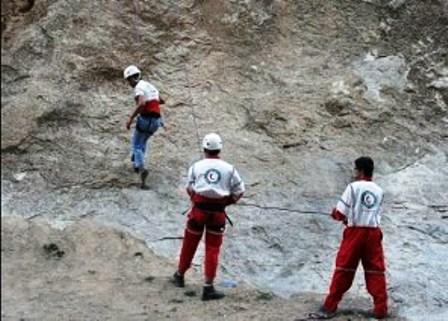 جستجوی ۶ کوهنورد گم شده در ارتفاعات پرآو جواب داد/ ۲ نفر به مراکز درمانی منتقل شدند