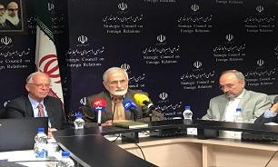 ایران به صورت متحد در مقابل فشارهای آمریکا ایستاده است