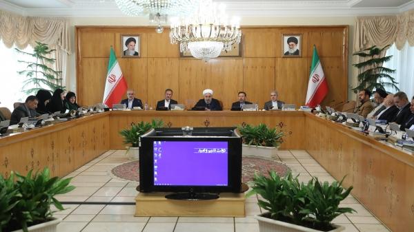 از قدردانی وزیر کشور از برگزارکنندگان مراسم اربعین تا دستگیری مسئولان یک شبکه هرمی