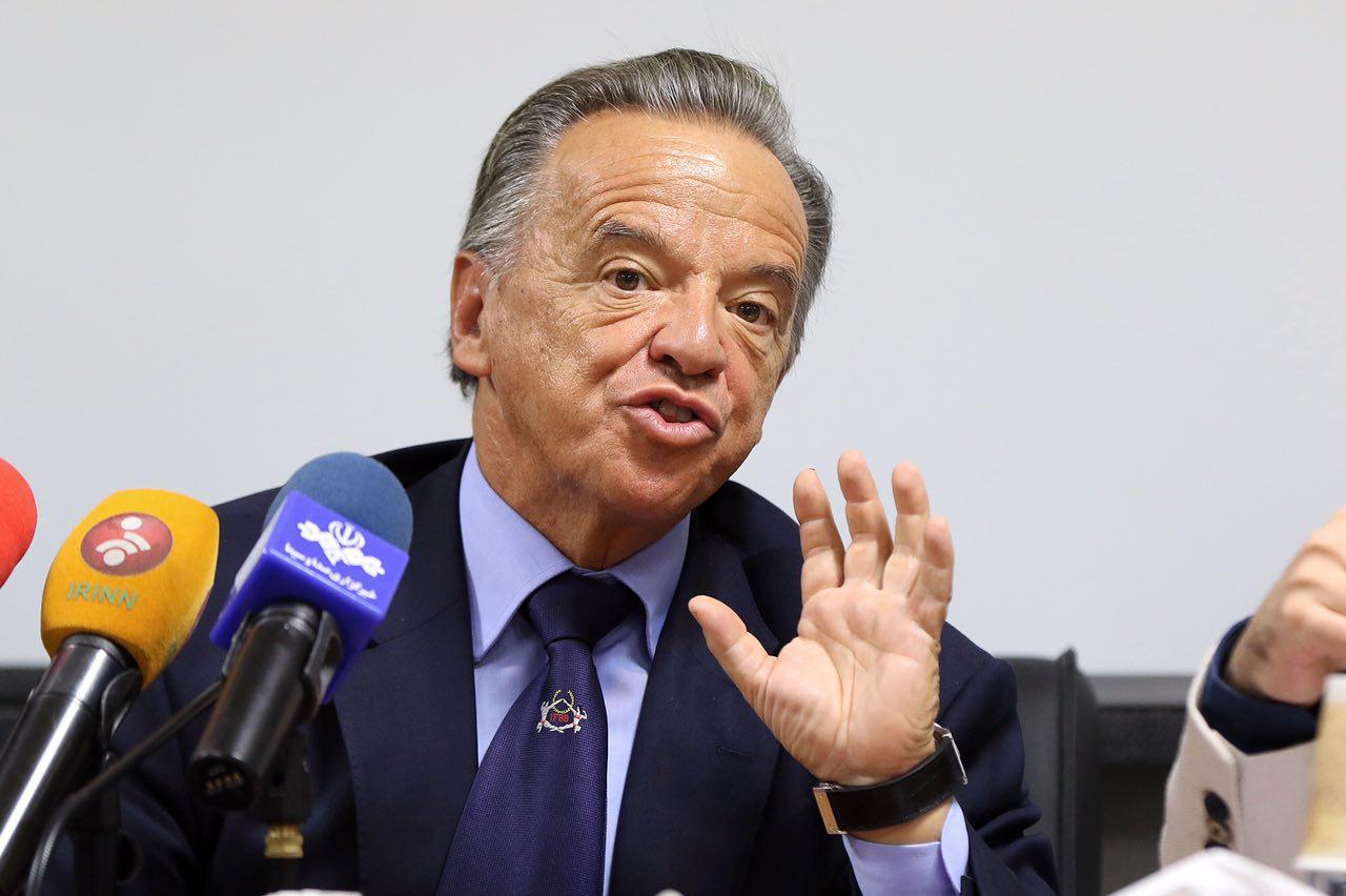 ابقا شدن سانتونجا در ریاست فدراسیون جهانی پرورش اندام