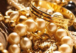 سارق طلا و جواهرات در دام پلیس آگاهی/۲۳۰ میلیون تومان ارزش جواهرات
