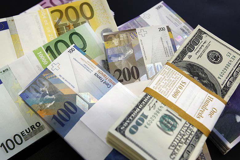 پایه سلطنت «دلار آمریکا» سست شد/ آیا با حذف دلار بازار عرضه کالای ایران رونق میگیرد؟