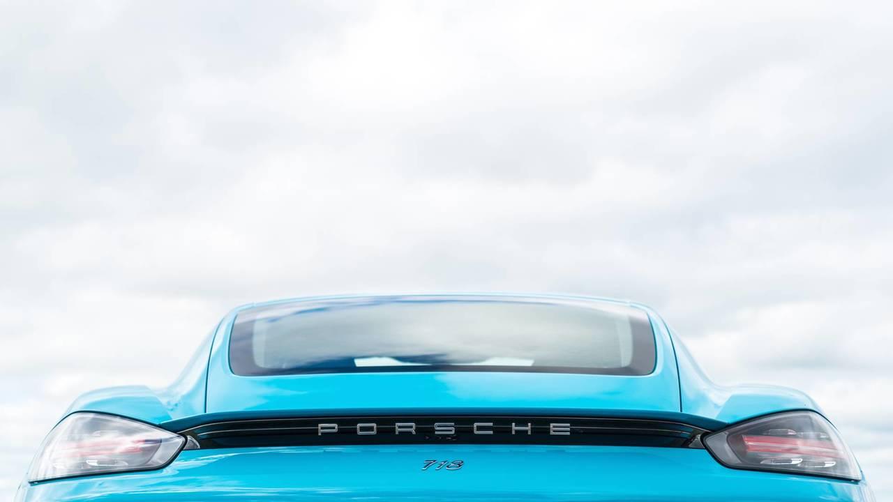 شرکت پورشه اتومبیل نسل جدید خود را با نام Porsche 718 Cayman معرفی کرد +تصاویر