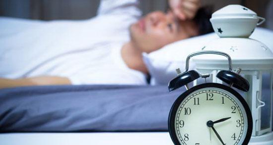بی خوابی چه  دردسر هایی به همراه دارد؟