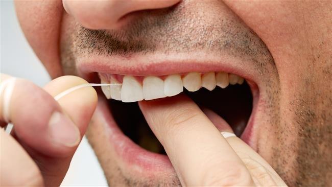 دفترچه راهنما برای حفظ جان دندانهایتان/ نکات مهم برای انتخاب و دور انداختن مسواک و خمیر دندان