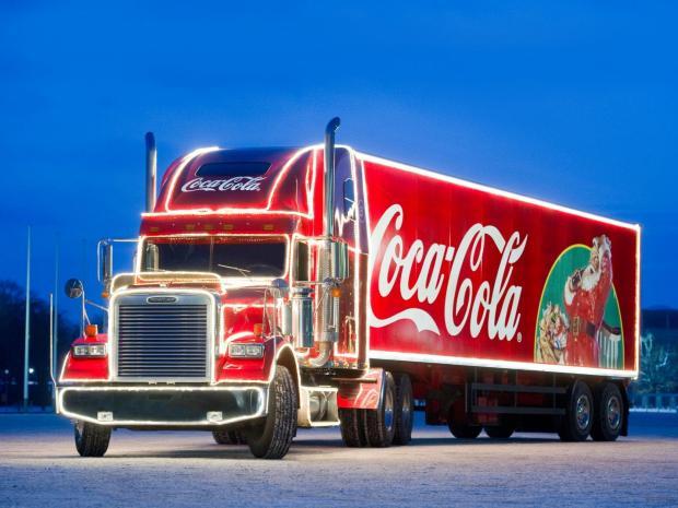 سال نو بدون کوکاکولا /کامیونهای کریسمس در انگلیس دیگر سال نو را تبریک نمیگویند